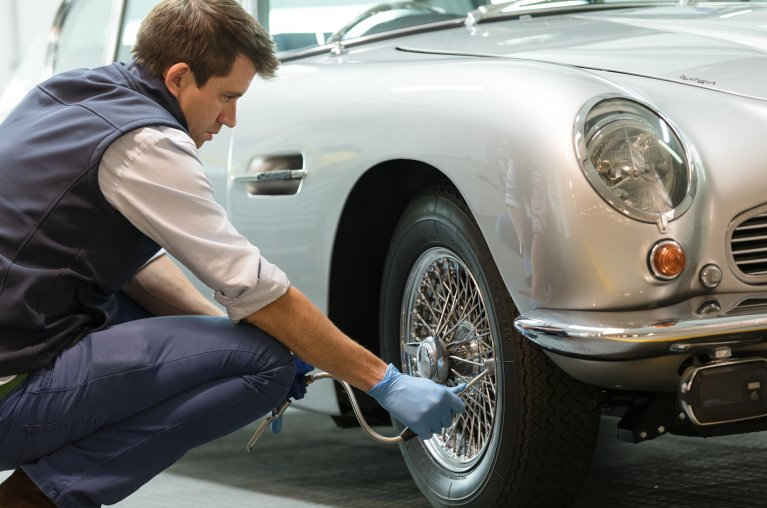 Classic car ownership in London – how can the correct storage help?